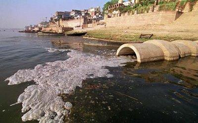 http://www.viajesdefindesemana.net/wp-content/uploads/aguas-contaminadas.jpg
